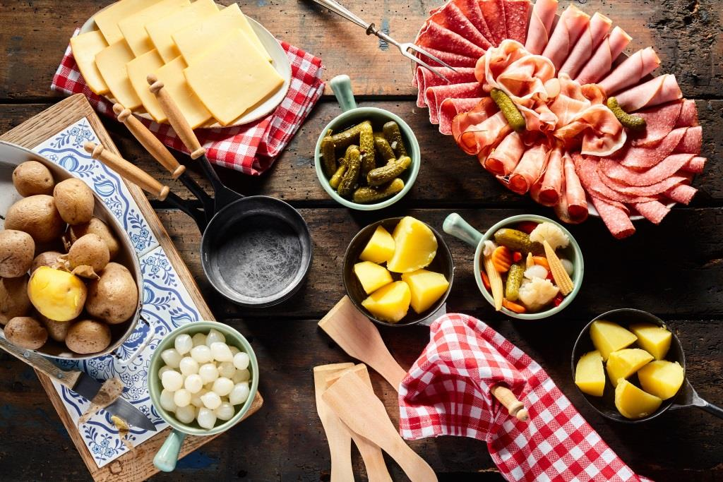 ᐅ 6 leckere Raclette Rezepte und Ideen  Zutaten- & Einkaufliste